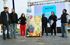 Alumnos de la Escuela Municipal de Bellas Artes presentaron un cuadro que será colocado en el CePla