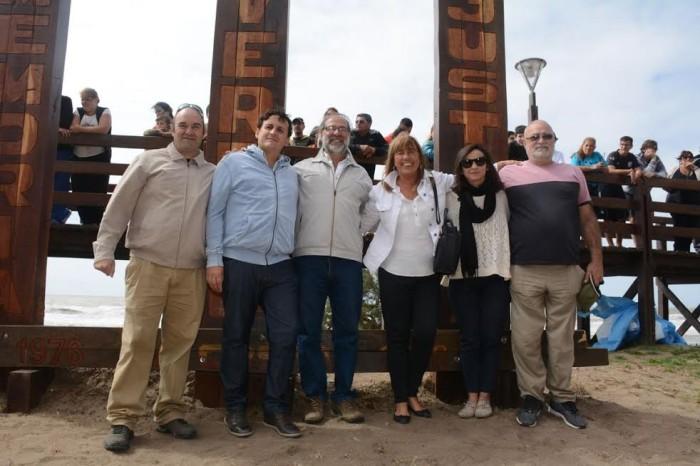 Artistas costeros realizaron la obra que forma parte del Paseo de la Memoria de La Costa