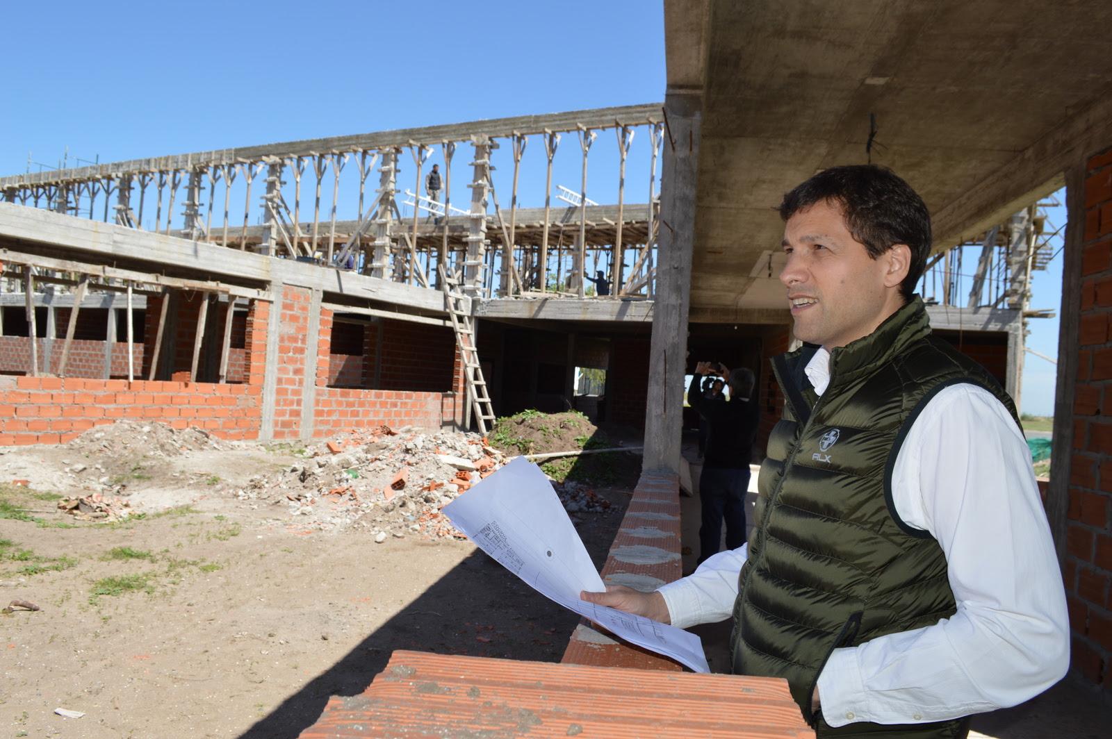 Se construye la segunda planta del hospital de santa for Santa teresita planta