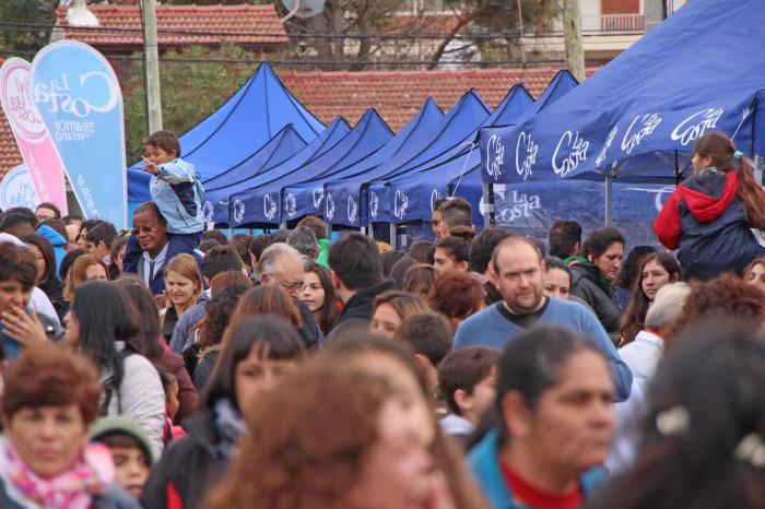 Cientos de vecinos recorrieron las ferias productivas a la vera del Multicultural