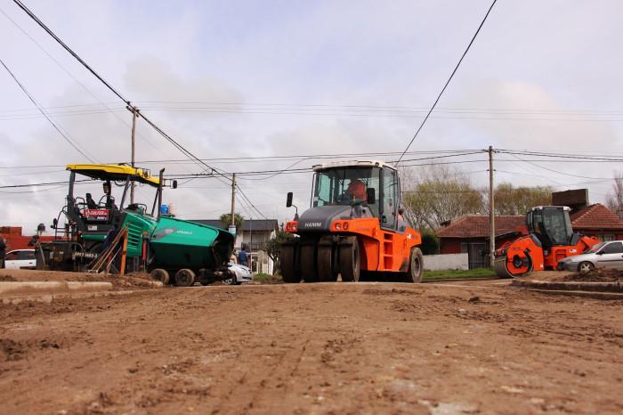 Comenzó la obra de asfaltado en Villa Clelia