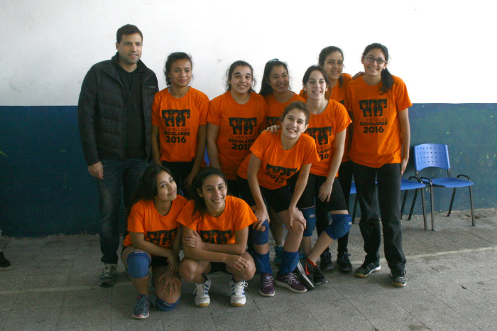 Comenzaron las olimpíadas Escolares y el intendente De Jesús acompañó a los jóvenes (2)
