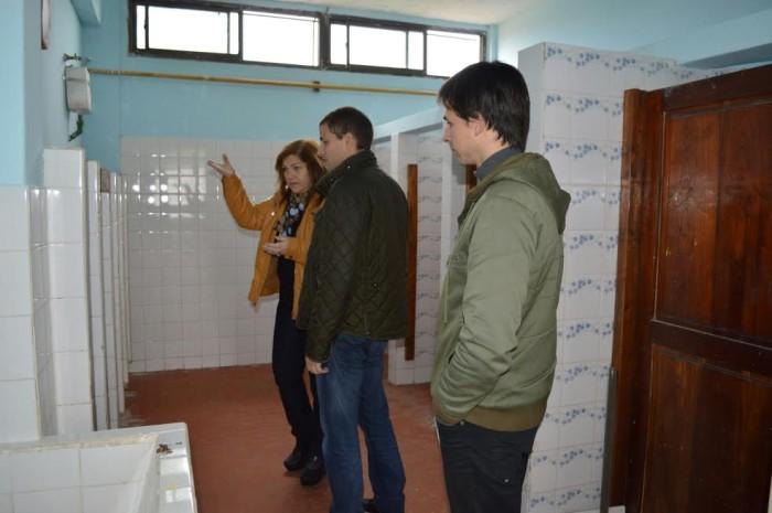 De Jesús supervisó las refacciones que se llevan adelante en los baños, a través de un fondo gestionado por el Municipio ante Nación
