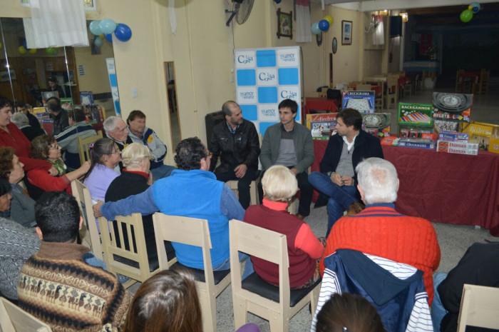 EL intendente de La Costa recorrió las instalaciones de los Centros y dialogó con los abuelos