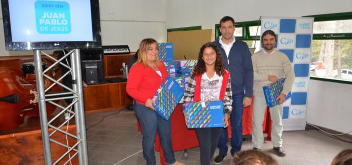 El Gobierno local firmó un convenio con Nación, para que los alumnos de la escuela municipal tengan sus computadoras