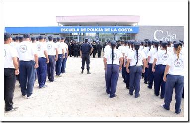 El acto contó con la presencia del director de la Escuela de Policía, el subcomisario Marcos Aguirre, el presidente del Concejo Deliberante, Ricardo Daubagna, autoridades policiales y municipales