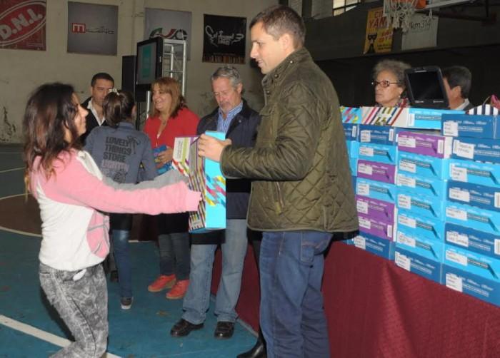 El anuncio lo realizó el Intendente de La Costa durante una nueva entrega de netbooks a estudiantes secundarios