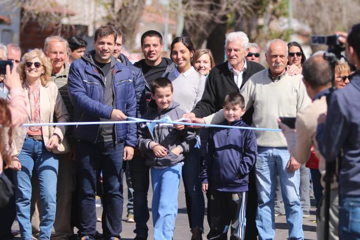El intendente De Jesús encabezó la inauguración de la obra de asfaltado de calles en Mar del Tuyú
