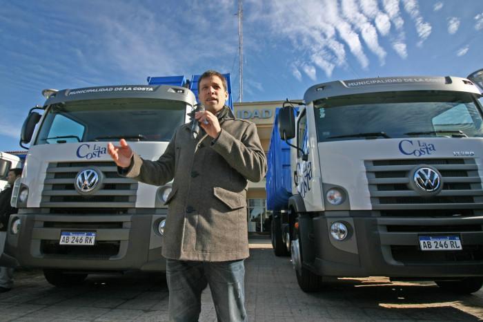 El intendente De Jesús entregó la llave de los camiones a los delegados de las Unidades de Gestión