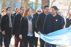 El intendente De Jesús junto a la senadora De María encabezaron el acto del Día de la Bandera