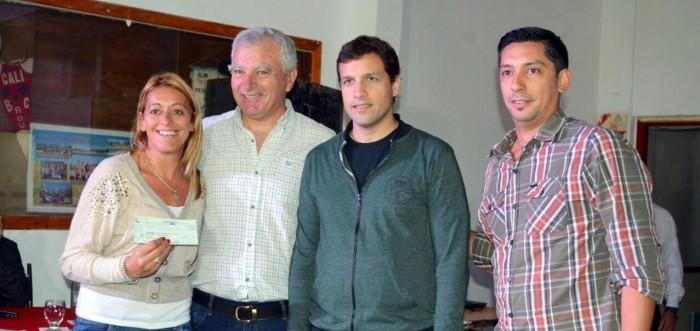 El intendente De Jesús junto a representantes de la liga costera de fútbol y de los clubes del distrito