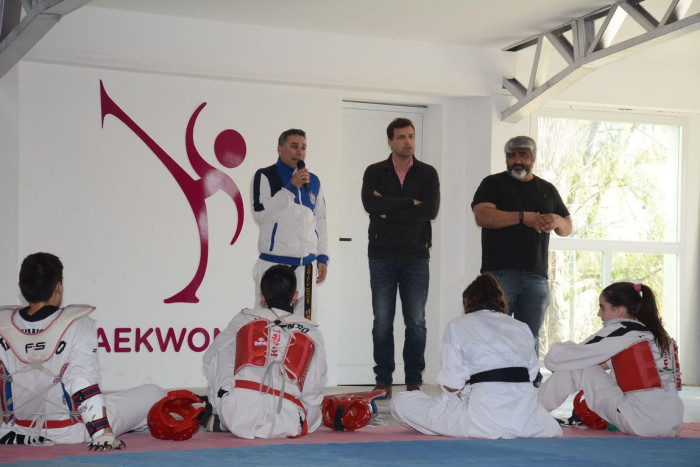 El intendente Juan Pablo de Jesús presenció una exhibición de taekwondo en el nuevo espacio