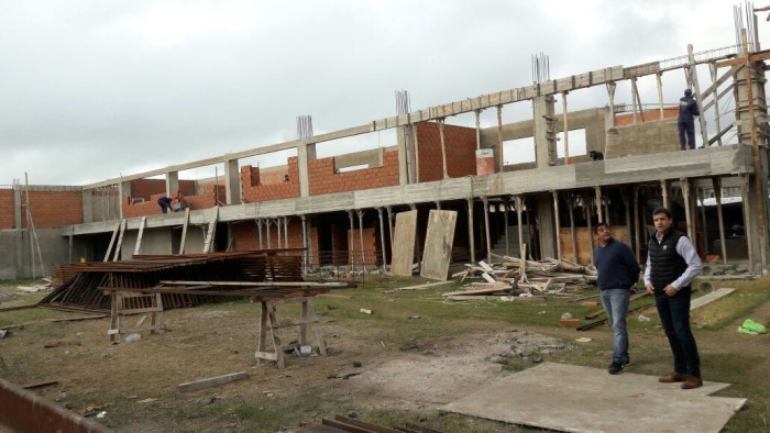 El intendente Juan Pablo de Jesús recorrió la obra del Polideportivo de Villa Clelia