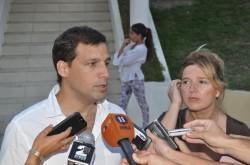 El intendente Juan Pablo de Jesús y la ministra de Gobierno, Cristina Álvarez Rodríguez