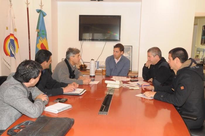 El intendente de la Municipalidad de La Costa, Juan Pablo de Jesús, se reunió con jefes de la Policía