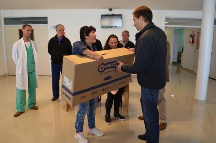 El intendente del Partido de La Costa, Juan Pablo de Jesús, entregó los primeros kits del programa nacional Qunita