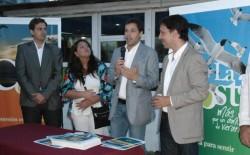 El intendente del Partido de La Costa, Juan Pablo de Jesús, junto a autoridades provinciales y nacionales