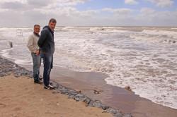 El intendente recorrió la obra de defensa costera que se realiza en una parte de Santa Teresita