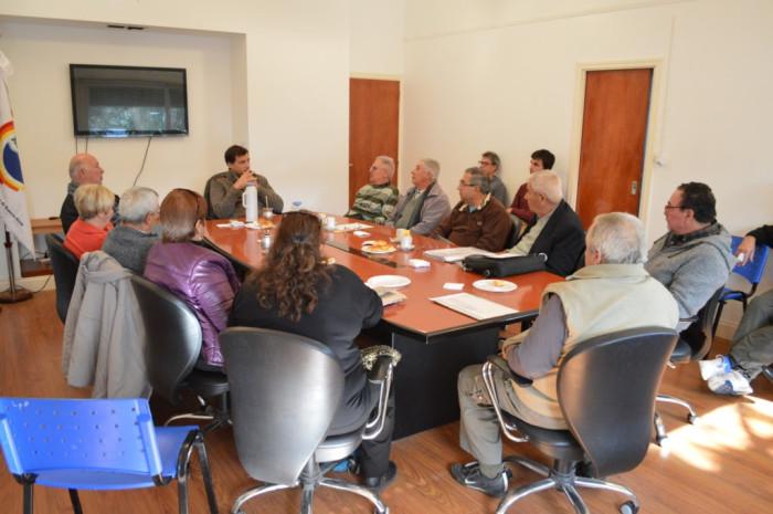El intendente reunido con representantes de los Centros de Jubilados de La Costa