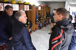 El intendente visitó el destacamento de Bomberos de Mar del Tuyú y entregó aportes