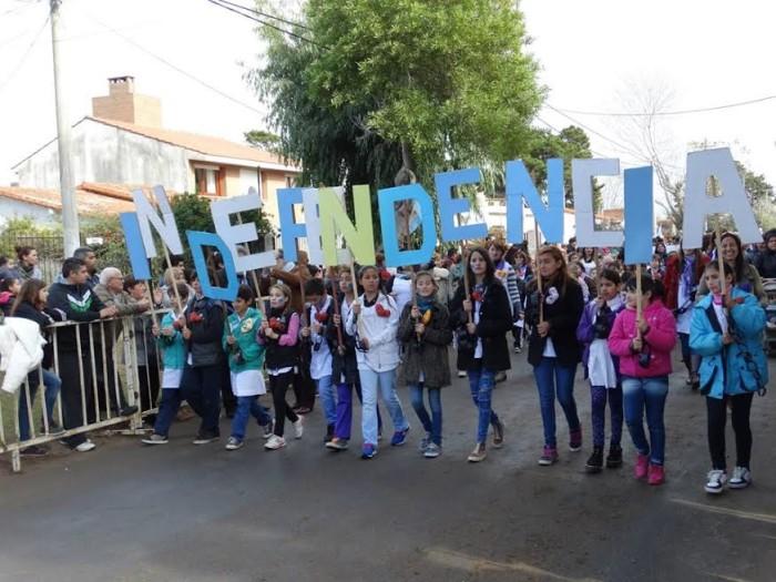 En Santa Teresita se realizó el acto institucional por los 199 años de Independencia