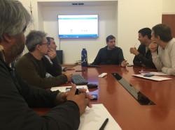 Funcionarios municipales reunidos con Juan Pablo de Jesús por las inscripciones on line de EMA