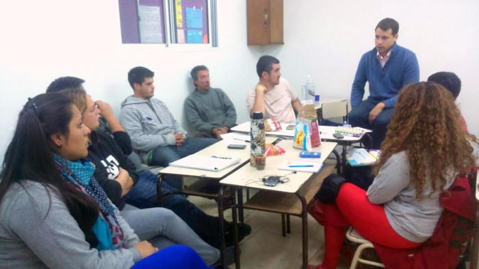 Juan Pablo de Jesús mantuvo un diálo abierto con los jóvenes estudiantes de la tecnicatura en Economía Social