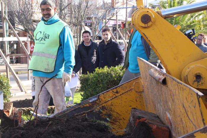 Juan Pablo de Jesús recorrió la obra del nuevo Boulevard de Avenida del Libertador de Mar de Ajó