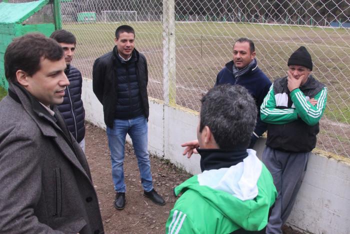 Junto a funcionarios y la CD del Club recorrieron las instalaciones y hablaron sobre proyectos en común