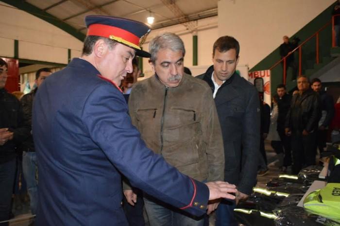 Junto al intendente, Aníbal Fernández y el Jefe de Bomberos recordaron el salvamiento del Cuartel de Santa Teresita