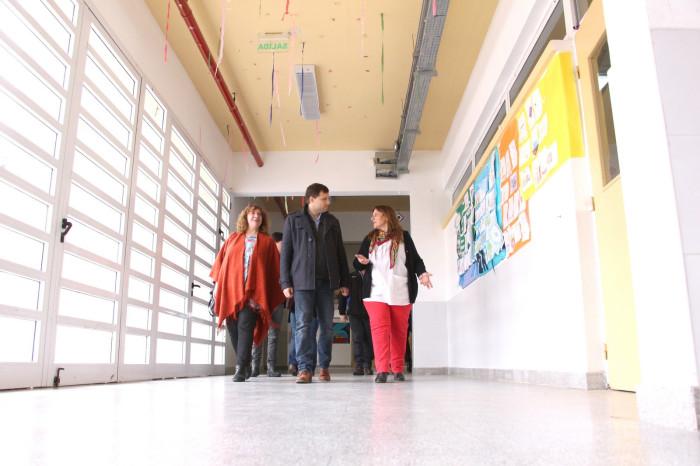 La Municipalidad además otrogó aportes aconómicos en los establecimientos educativos
