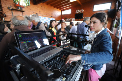 La artista Mercedes Oviedo fue la encargada de darle música al evento
