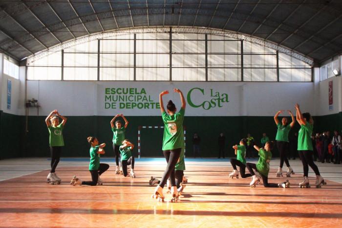 Las alumnas de Patín realizaron una performance en el nuevo Polideportivo