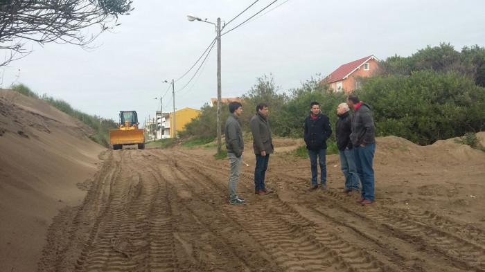 Las nuevas máquinas de la UDG trabajan en Las Toninas