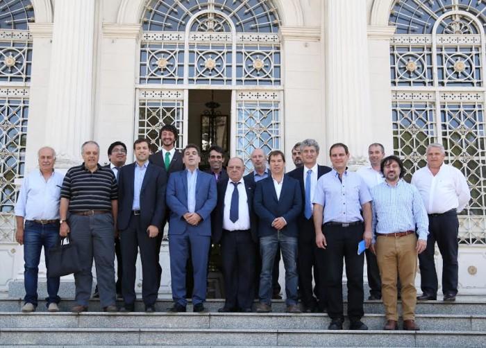 Los intendentes de la Costa Atlántica junto al ministro de Seguridad, Cristian Ritondo
