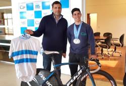 Lucas Viliar se consagró campeón argentino Junior y tras volver visitó al intendente De Jesús