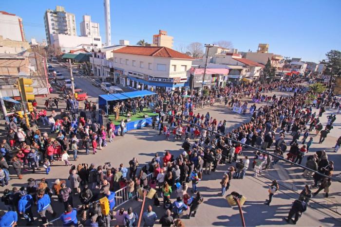 Multitudinario acto y desfile en homenaje a San Martín