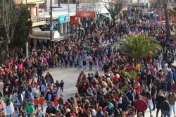 Multitudinario desfile cívico institucional en homenaje al José de San Martín