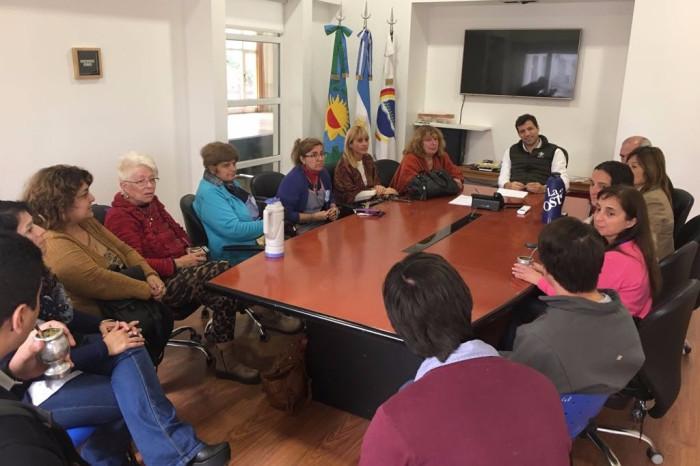 Reunión con directores de escuelas y jardines de La Costa