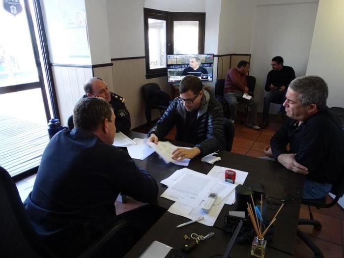 Reunión con funcionarios de la Policía bonaerense en La Costa
