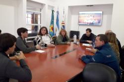 Reunión de autoridades educativas de la Escuela 7 de San Bernardo y el intendente De Jesús