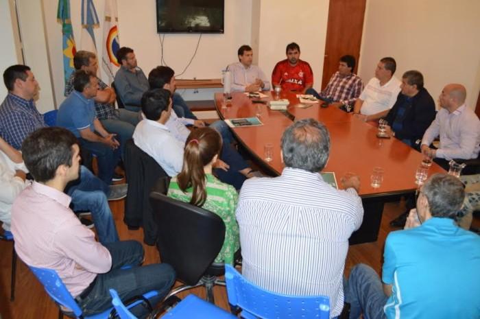 Se realizó un encuentro entre representantes del empresariado local, de la cámara de hoteleros, balnearios y comercio