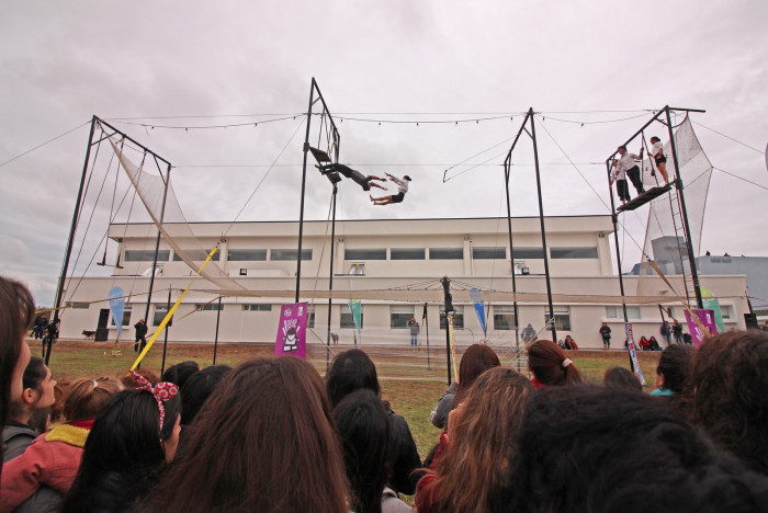 Show de acrobacias aéreas del Grupo Polímatas