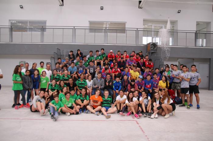 También visitó el Polideportivo de Mar de Ajó, donde se desarrollaba un torneo de Handball