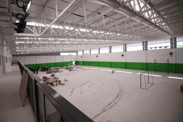 Un moderno polideportivo crece en Villa Clelia