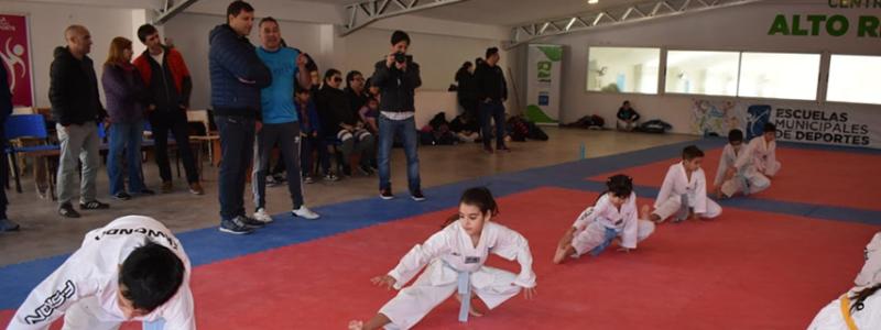 Visita al entrenamiento del Seleccionado Municipal de Taekwondo